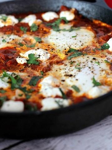 Skillet Spicy Eggs and Potatoes|www,mannaandspice.com
