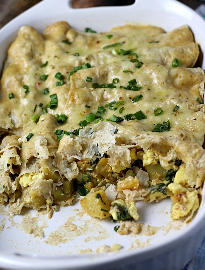 Addictive Breakfast Enchiladas|www.mannaandspice.com