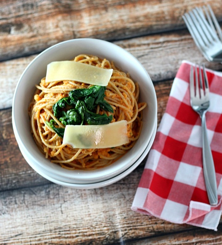 Deceptively Healthy Spaghetti with Roasted Red Pepper and Cauliflower Sauce www.mannaandspice.com