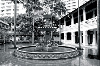 A peaceful moment at Raflles Hotel Fountain