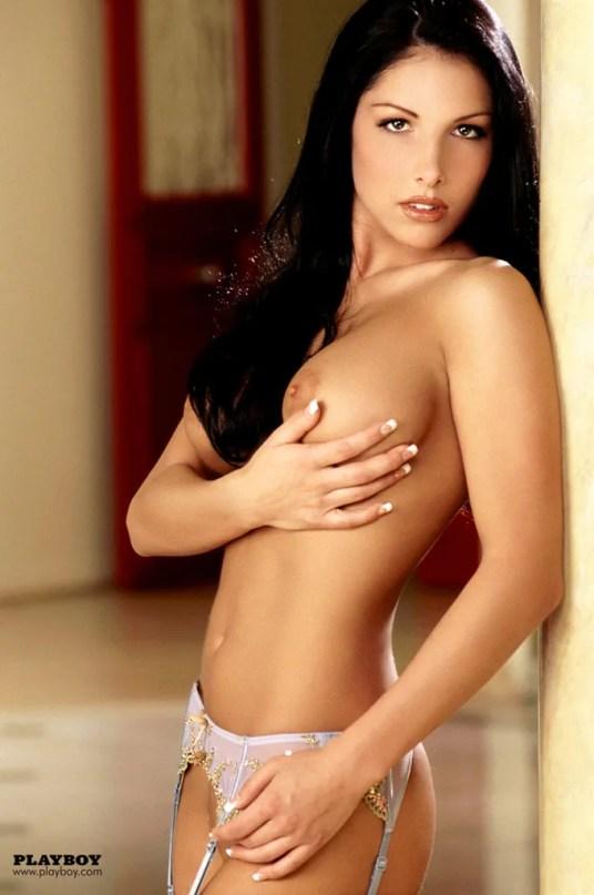 Kirstin-Cardenas-donker-haar-lingerie-en-naakt-06