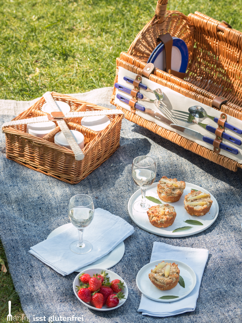 Low-Carb Snack to go- herzhafte glutenfrei Spargel Käse Muffins
