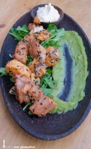 Marinierter Fisch mit Avocado