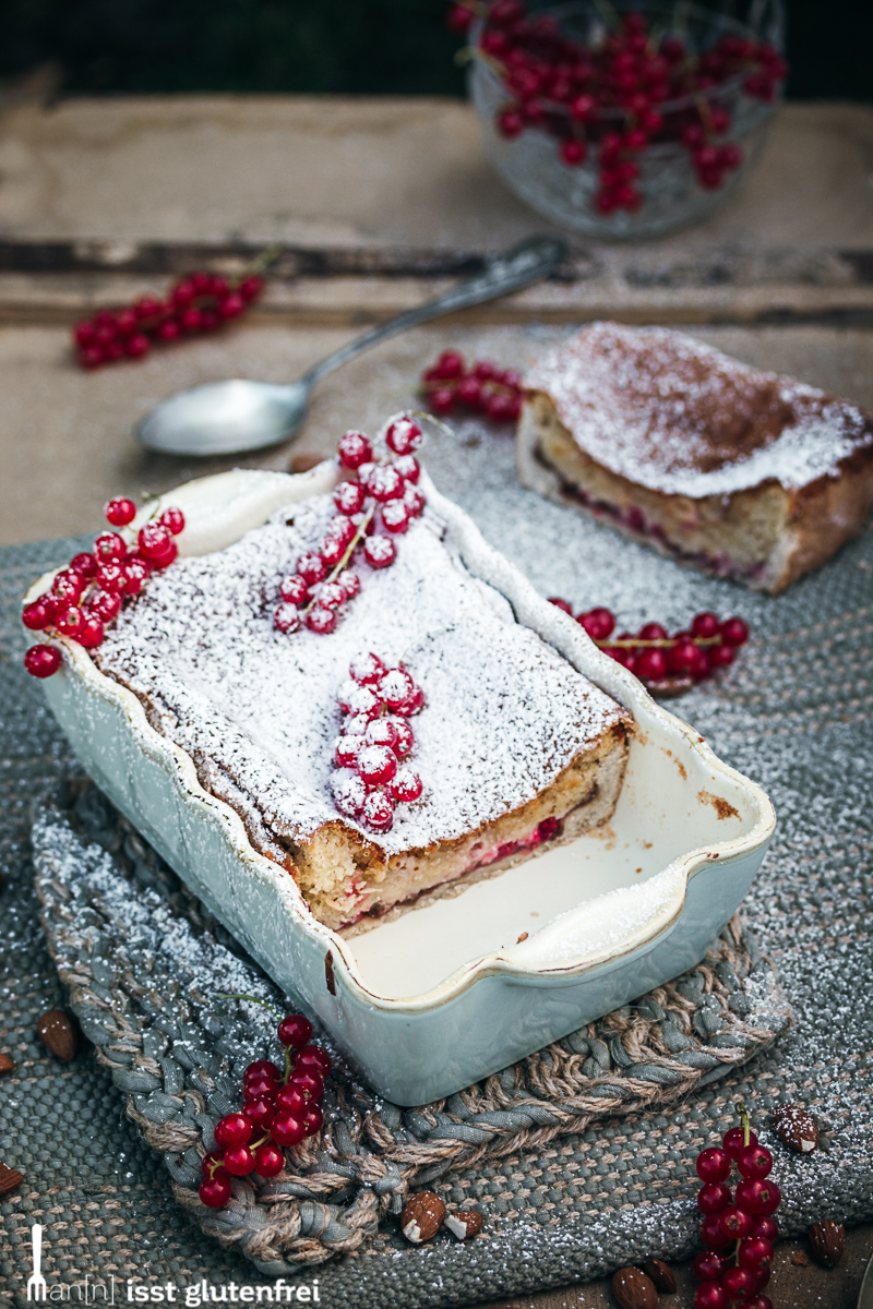 Bakewell Pudding angeschnitten in der Form