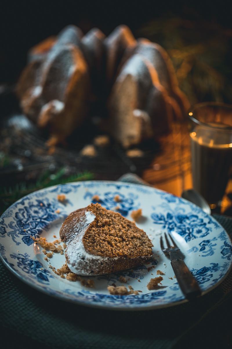 Weihnachtlicher Gugelhupf