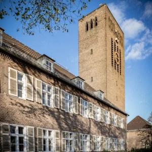"""<small>Stadtführung:</small><br><b>""""Sakralbauten der Siemensstadt & Moschee""""</b> 13"""