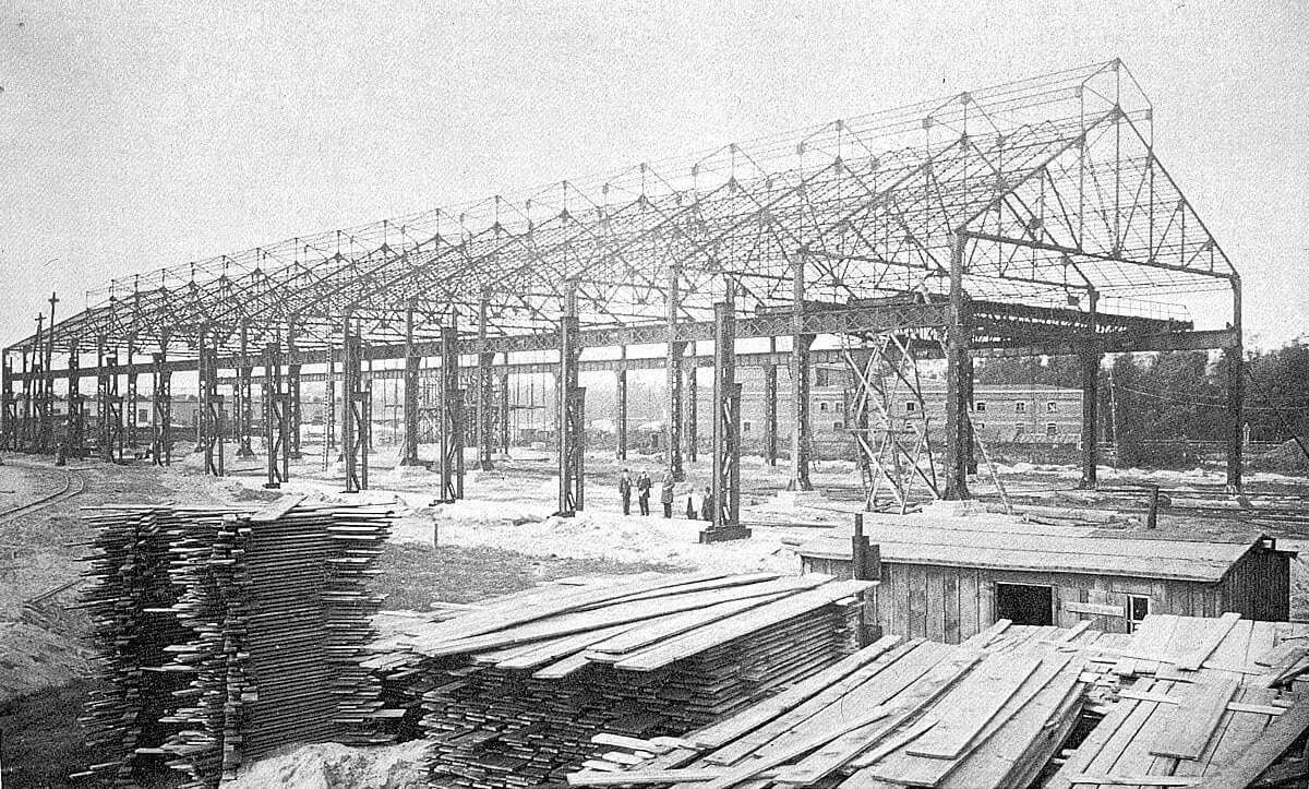 Mann mit Hut Touren: der Aufbau der Belgienhalle in Siemensstadt, Gartenfeld. 1917