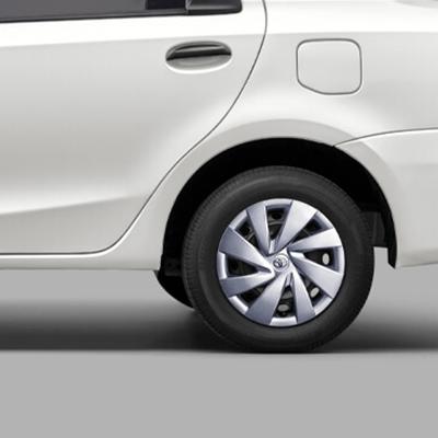 Distancia libre al suelo   Los 15,5 cm. de espacio entre la carrocería y el suelo evitan golpes en la parte baja del vehículo y el parachoques.