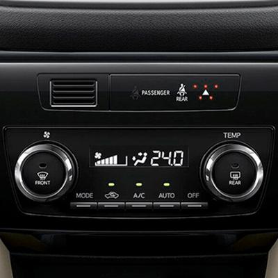 CLIMATIZADOR AUTOMÁTICO   Monitorea y regula el sistema para mantener una temperatura pre establecida. Además, cuenta con ventilación posterior, para dar confort a todos los pasajeros.