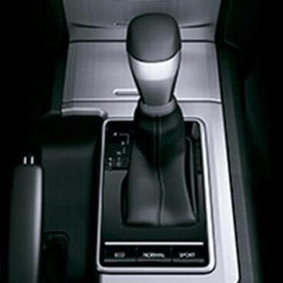 Transmisión   Transmisión mecánica disponible de 5 o 6 velocidades. Transmisión automática disponible tipo secuencial de 6 velocidades.