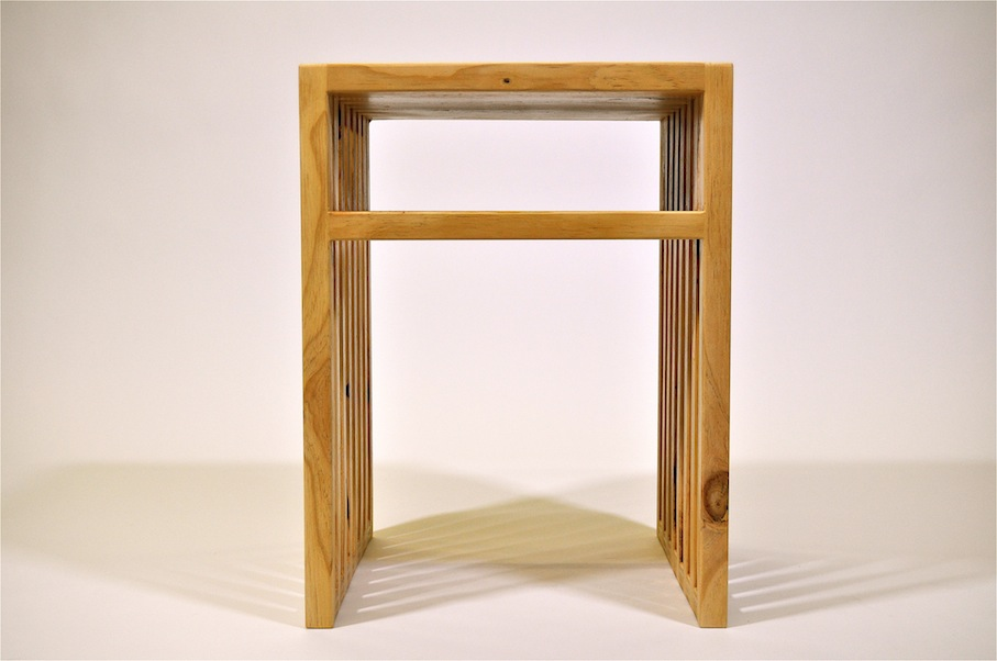 Bedside table readily customised to fit your bedroom  Il