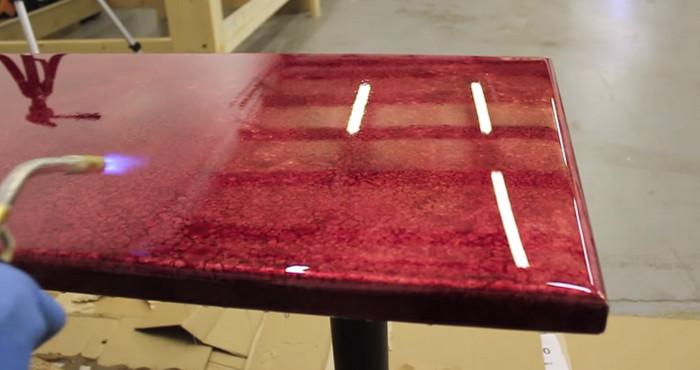 Cmo aplicar corectamente resina epoxi en una mesa Paso a