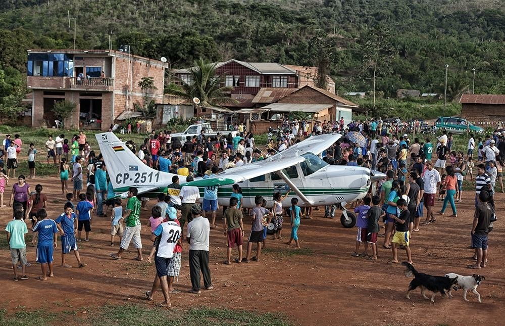 Mano a Mano landing in a rural community.