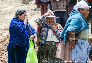 Local women celebrate during the dedication of the Wirkini reservoir in October 2016.