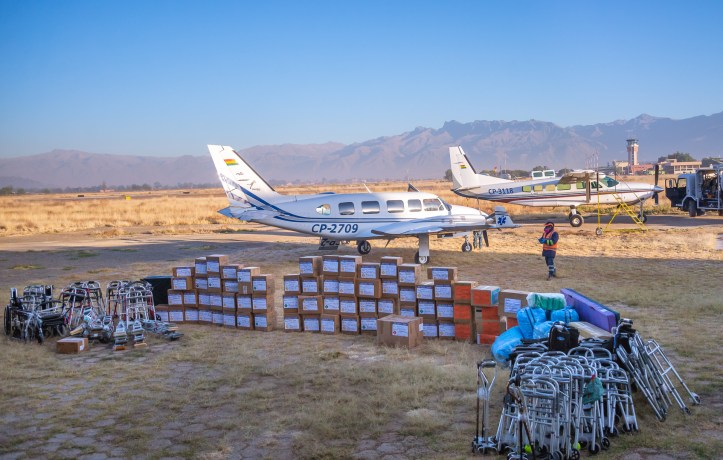 Loading supplies at Mano a Mano's hangar in Cochabamba to distribute in Beni - June 2020