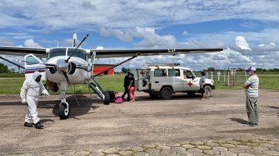 Mano a Mano picking a patient up in Santa Ana de Yacuma.