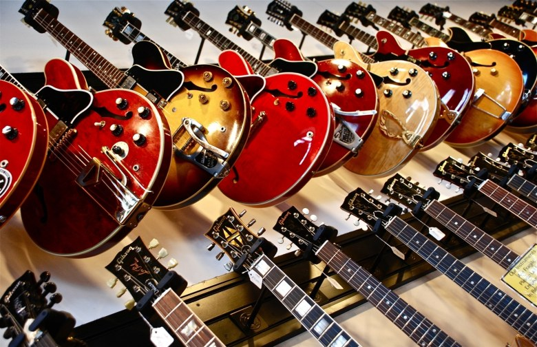 13 best rare and vintage guitar stores in sydney | man of many