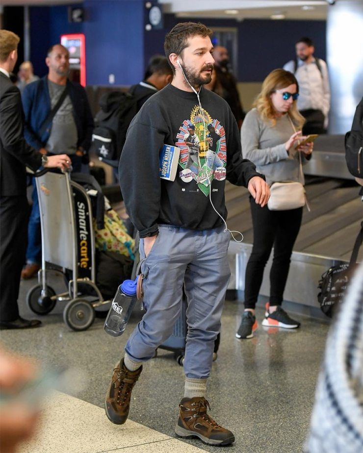 How to Dress Like Shia Labeouf airport