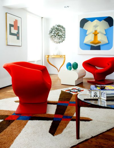 https://i0.wp.com/manolohome.com/wordpress/wp-content/uploads/2010/03/red-chairs-living-room-colorful.jpg