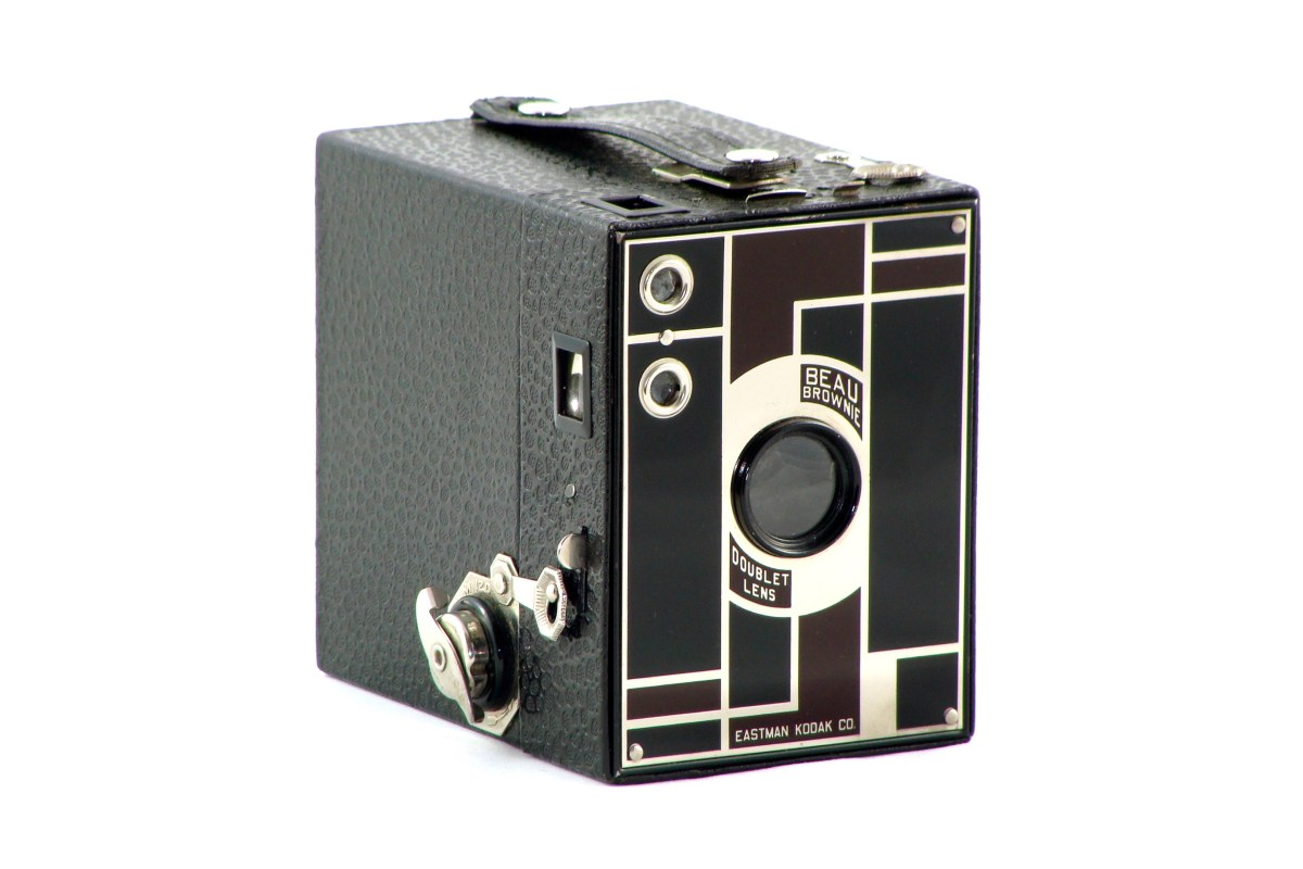 A Camera – The Kodak Beau Brownie