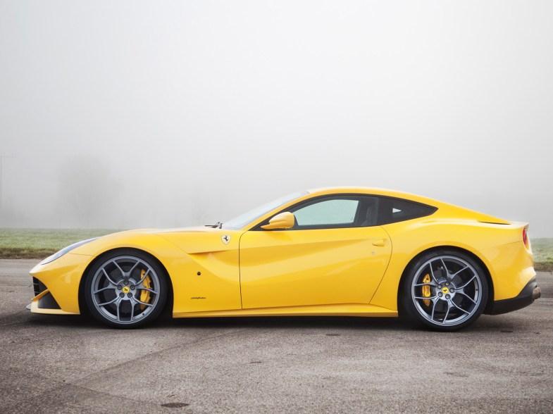 2012-Novitec-Rosso-Ferrari-F12-Berlinetta-Side