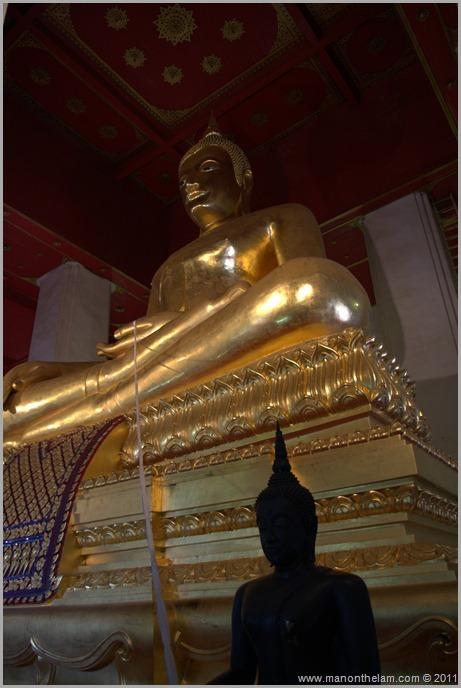 Ayutthaya Wihaan Phra Mongkohn Bophit seated bronze Buddha