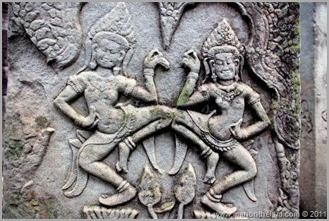 Bas-relief dancing figures, Bayon, Angkor, Cambodia