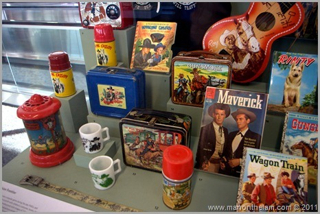 Retro antique children's games, toys, and memorobilia - San Framcisco Airport Museum