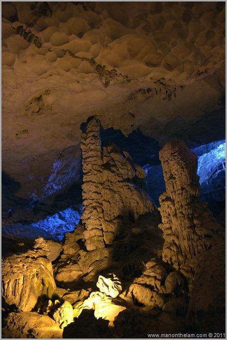 Surprise Cave Halong Bay, Vietnam