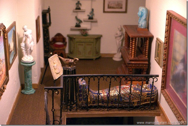 museum doll house