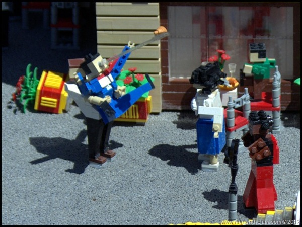 Waiter saves choking man with Heimlich maneuver Miniland USA Legoland Florida Aeroplan Welcome A1