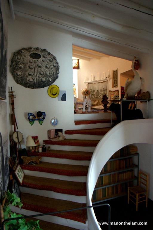 0 sofas black leather uk the house that dali built -- man on lam travel blog