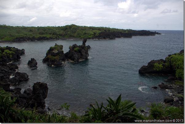 Black sand beach at Waianapanapa State Wayside Park, Maui, Hawaii-098