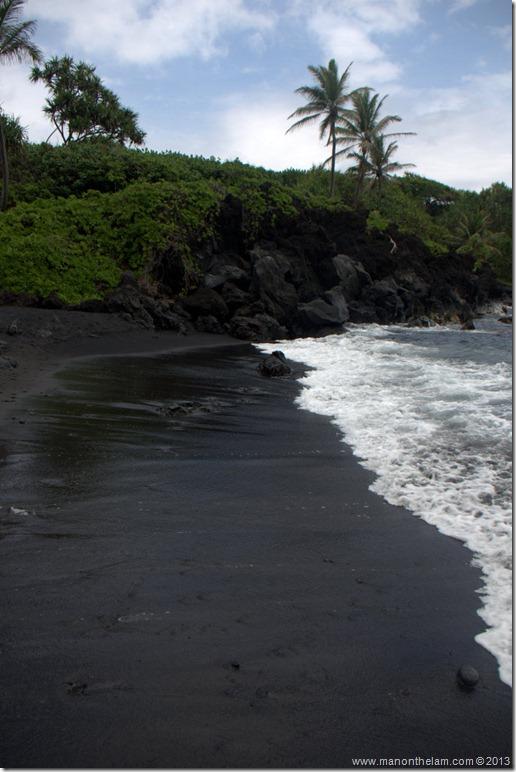 Black sand beach at Waianapanapa State Wayside Park, Maui, Hawaii-117