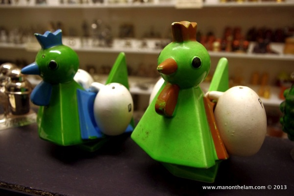 Chicken and egg Salt and Pepper Shakers
