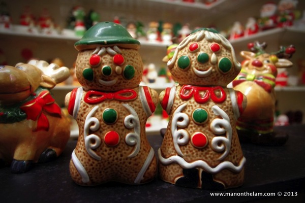 Gingerbread man and woman Christmans Salt and Pepper Shakers Guadalest Spain