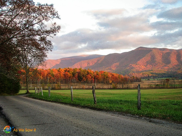 Smoky-Mountain-Color-As-We-Saw-It-Top-100-Travel-Blog-Posts-of-2014-by-Social-Shares.