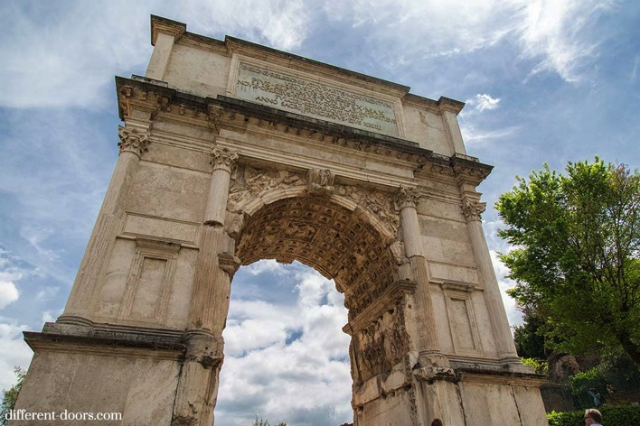 Man On The Lam Top 100 Travel Blog Posts of 2015 so far by social media shares  Roman Forum Arch1