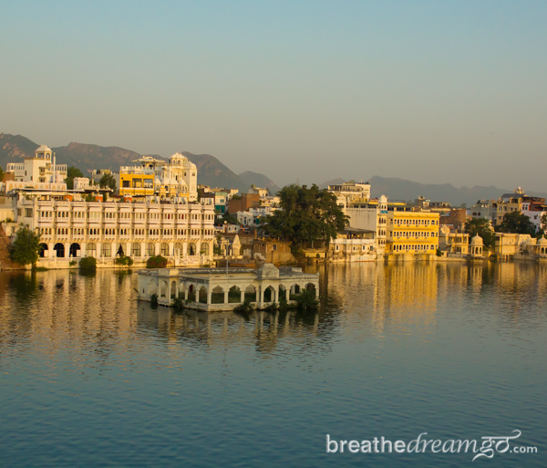 Man On The Lam Top 100 Travel Blog Posts of 2015 so far by social media shares  Udaipur India