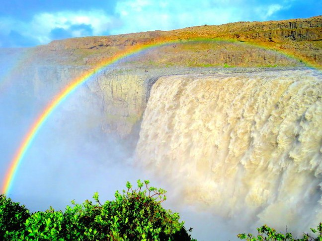 Man On The Lam Top 100 Travel Blog Posts of 2015 so far by social media shares  Waterfalls Iceland Dettifoss