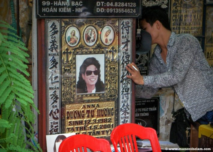headstone-in-hanoi-vietnam