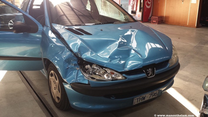 Peugeot car accident australia kangaroo