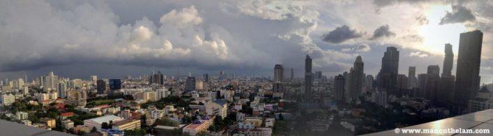 Bangkok Thailand Skyline PANO.jpg