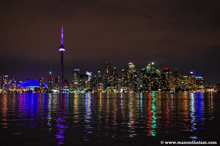 Toronto ontario skyline at night