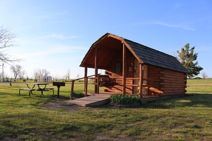 Campground Showdown: Tent Camping vs. Glamping in a Deluxe ...