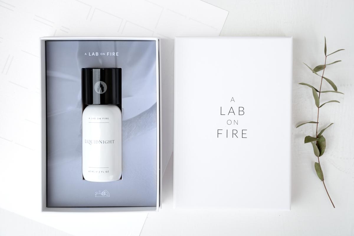 A-Lab-on-Fire-Liquid-night-caja