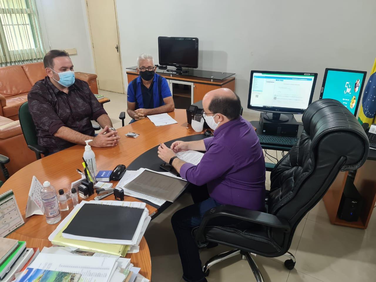 Raylan Barroso tem reuniões no Incra e na Caixa Econômica em busca de melhorias para Eirunepé