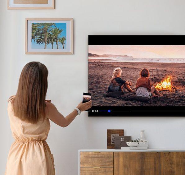 Como espelhar o conteúdo de seu smartphone em uma TV Samsung em apenas um toque