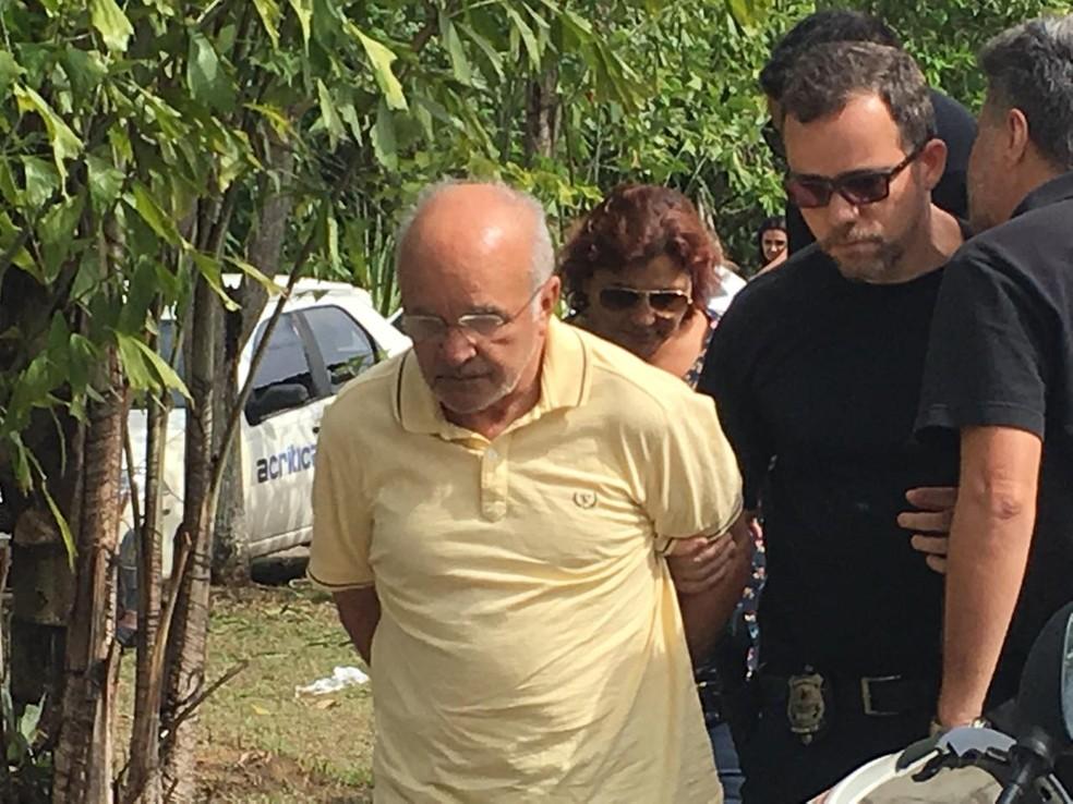 José Melo e Edilene Oliveira retiram tornozeleiras eletrônicas após autorização da Justiça