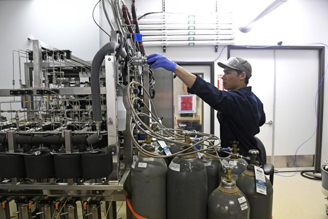 Cannabis processing bottleneck: Cannabis Oil Extraction Capacity worldwide is very low